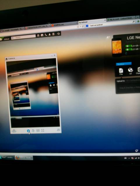 Foto screenshot dari HP android di PC