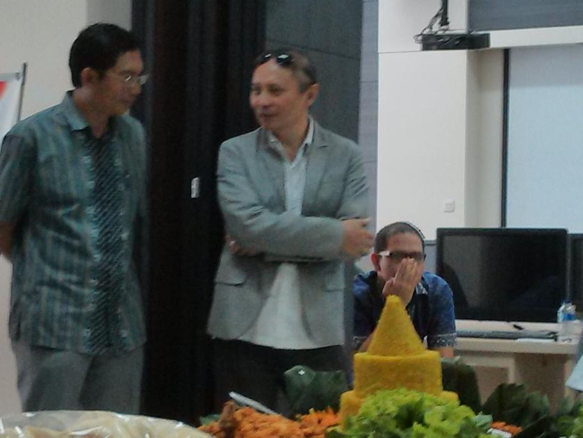 Kir: Pak Suhono, Tengah: pak Armein, kanan: Firman