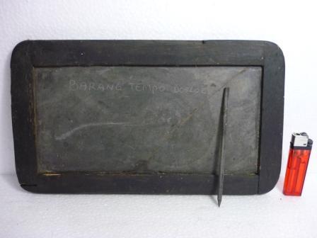 Ini nih Sabak alias tablet jadul jaman perjuangan.