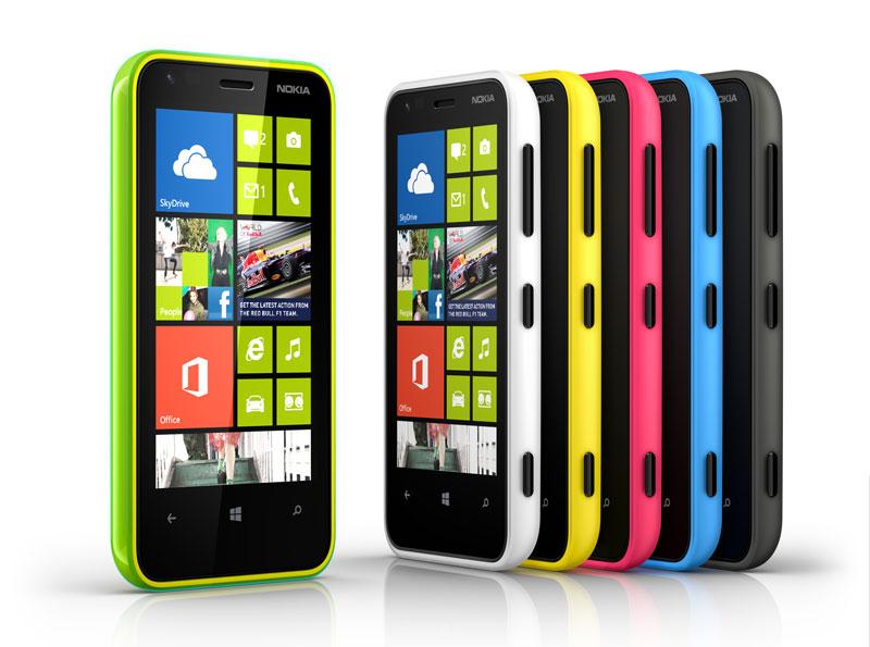 Nokia Lumia, pelopor Smart Phone warna-warni. Dari dulu saya udah naksir Lumia namun OSnya enggak banget.