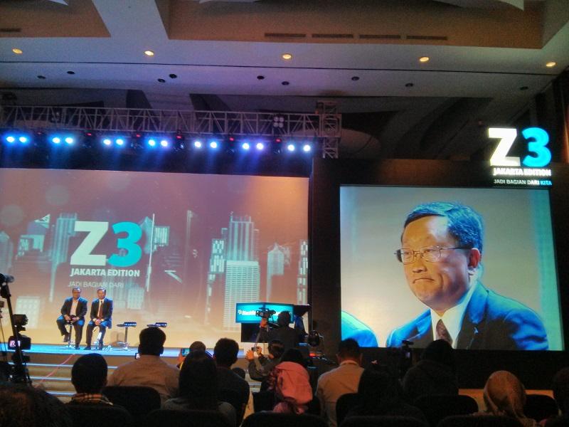 Jakarta dan BlackBerry Jakarta: CEO BlackBerry, John Chen sedang menjawab beberapa pertanyaan dari media terkait perusahaan yang dipimpinnya.