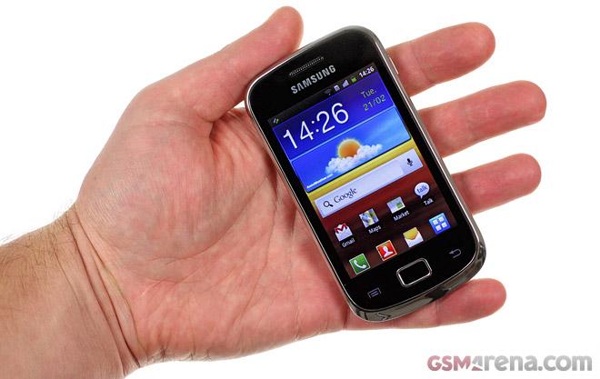 389. Tragedi Android Lollipop! Galaxy Mini 2: Ini dia HP Galaxy mini yang saya berpincangkan.