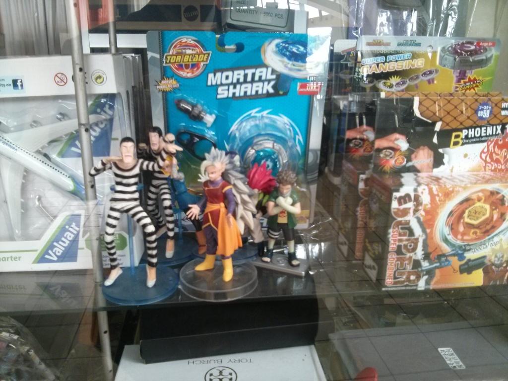 386. Souvenir khas Indonesia? nah ini dia barang jualannya toko Souvernir di taman mini Indonesia Indah (keong Mas)