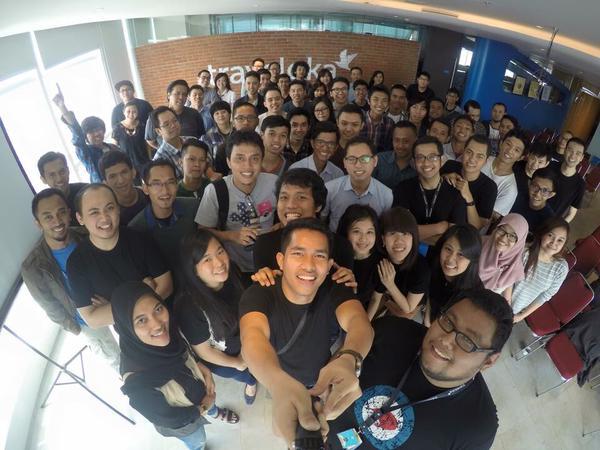 407. Kumpul-kumpul desainer Dribbble pertama di Jakarta! Banyak juga yah desainernya yang cowok :-( Padahal jaman kuliah dulu anak DKZV banyakan ceweknya...