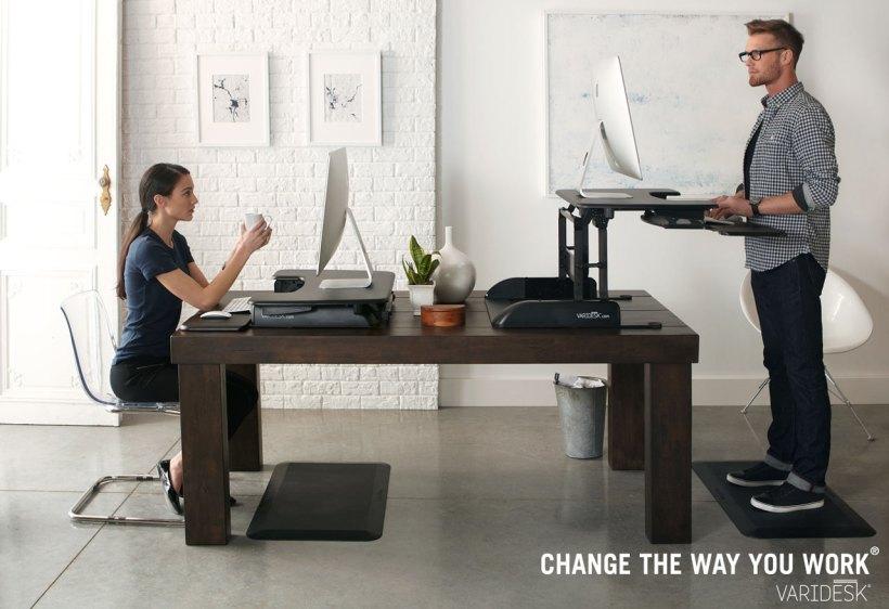 621. Pentingnya standing desk! Ini salah satu standing desk yang bersifatnya tambahan atau extension. lebih murah sih harganya namun, ringkih
