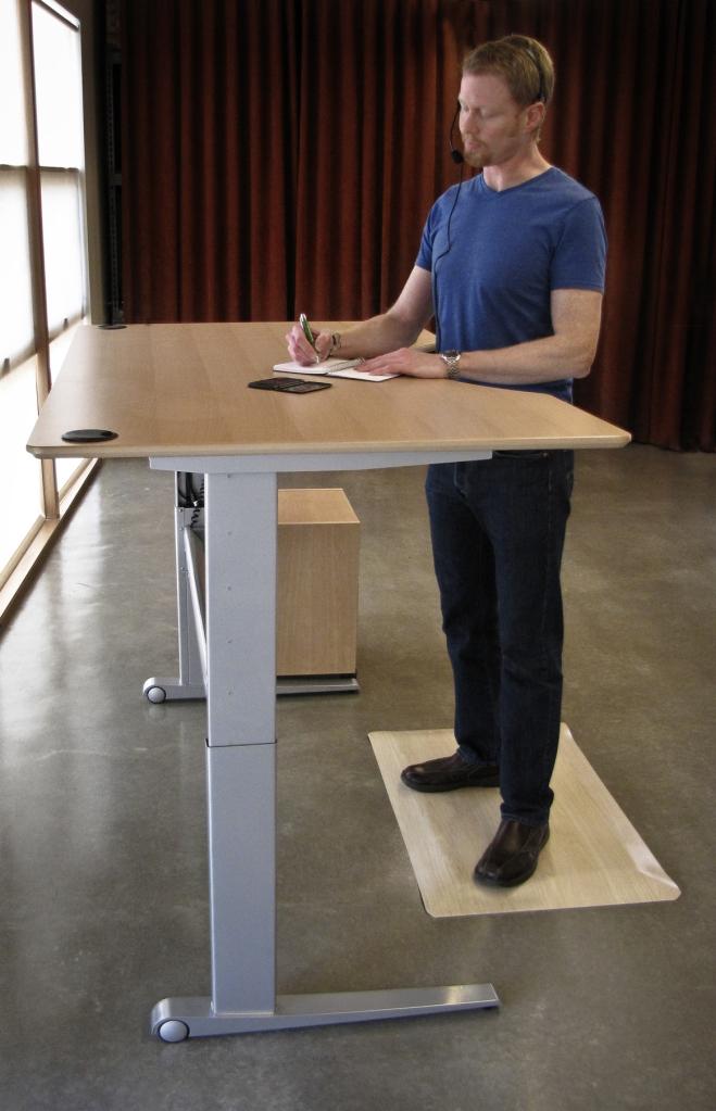 621. Pentingnya standing desk! ini yang mahal dan kokoh + terpercaya