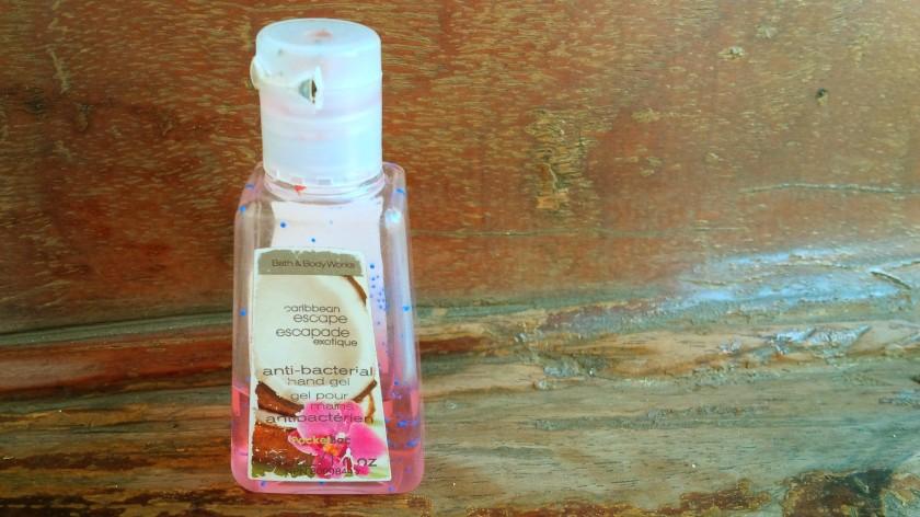 440. Whats Inside my UX Design bag !? Handsnaitizer. pencegahan pertama dari kuman dan penyakit dari tangan kita.