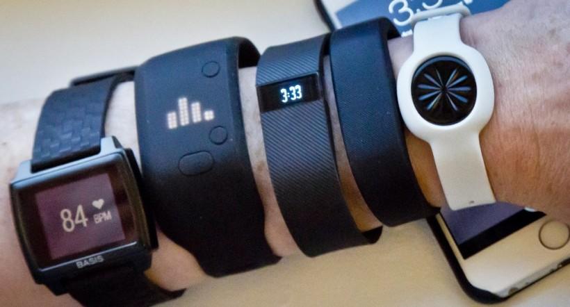 448. Smartwatch : perlu gak sih? wearable lain selain smartwatch. ini namanya gelang pintar alias smart band.